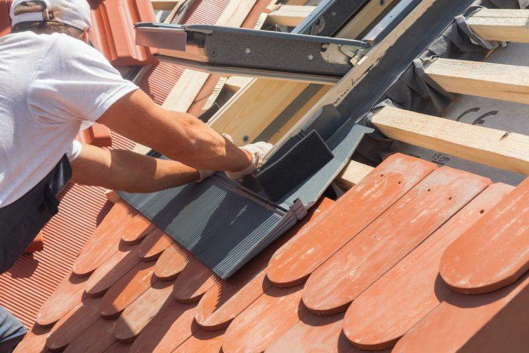 Comment installer une fenêtre de toit?