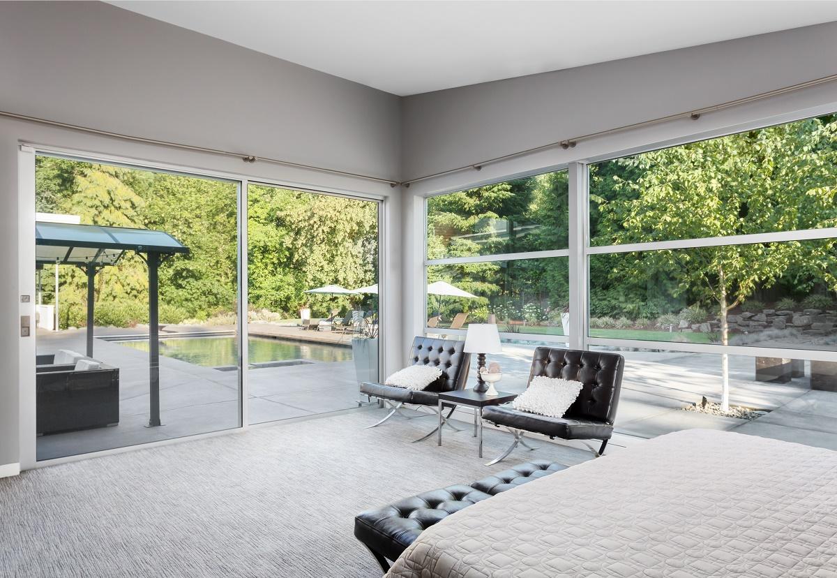 choisir une baie vitr e coulissante. Black Bedroom Furniture Sets. Home Design Ideas