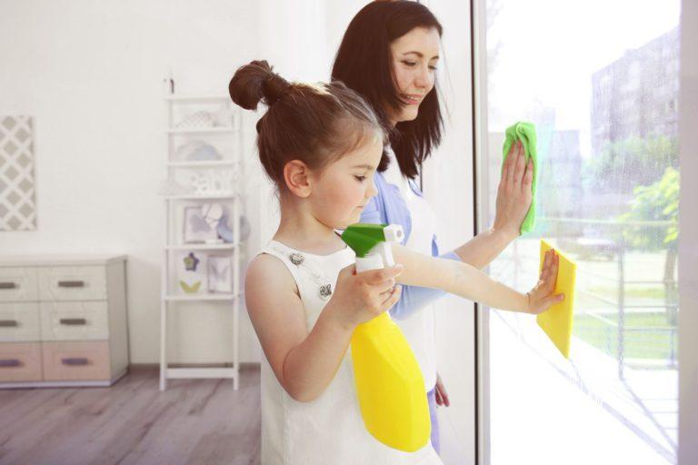 Les astuces pour entretenir vos fenêtres coulissantes