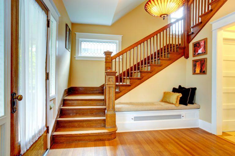 Comment aménager des rangements sous un escalier ?
