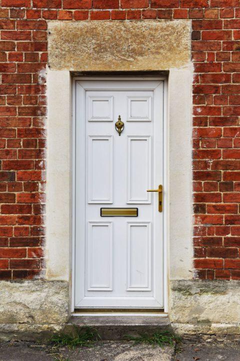 Entretenir sa porte d'entrée en PVC